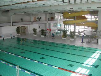 La piscine de Redon propose de nombreuses activités pour petits et grands.