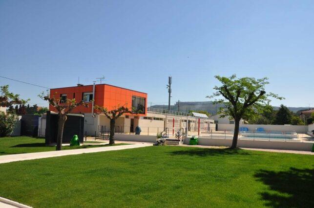 La piscine de Rognac a été rénovée en 2011.