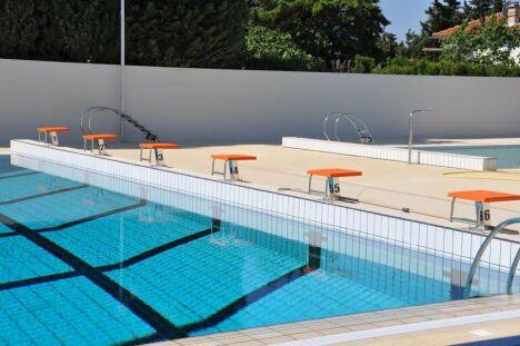 """La piscine de Rognac propose des leçons de natation et d'aquagym.<span class=""""normal italic petit"""">© Ville de Rognac</span>"""