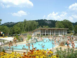 La piscine des Lagons à Doucier