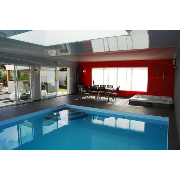 La piscine design par l 39 esprit piscine - Piscine interieure design ...