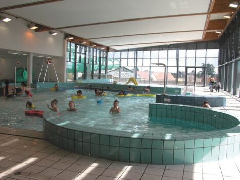 "La piscine l'Aquacienne à Chécy<span class=""normal italic petit"">DR</span>"