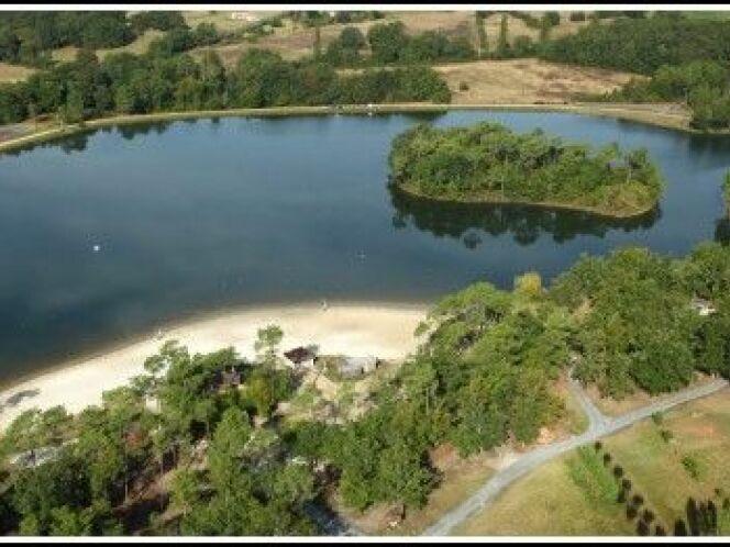 Lac de Gurson à Villefranche de Lonchat