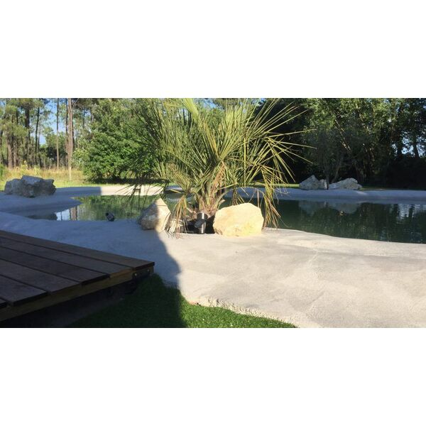 Piscine pm construction laluque pisciniste landes 40 for Construction piscine lagon