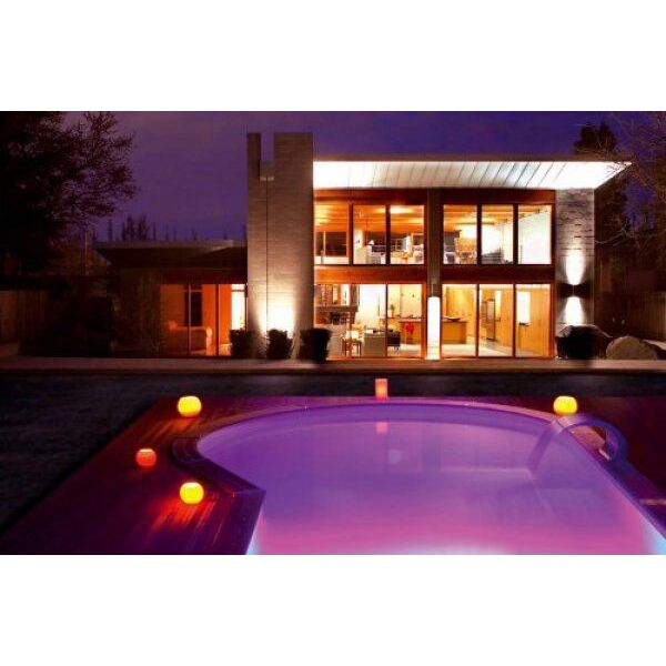 Lampe de piscine lampe solaire lampe led couleurs et ambiances - Eclairage autour piscine ...