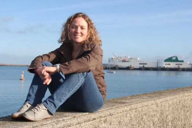 Lauriane Bonnamant s'apprête à traverser la Manche à la nage.