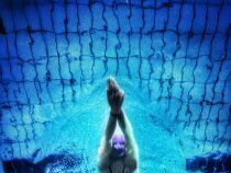 Laver efficacement sa combinaison de natation