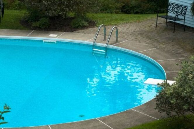 "Le backwash du filtre piscine  <span class=""normal italic petit"">© Design Pics - Thinkstock</span>"