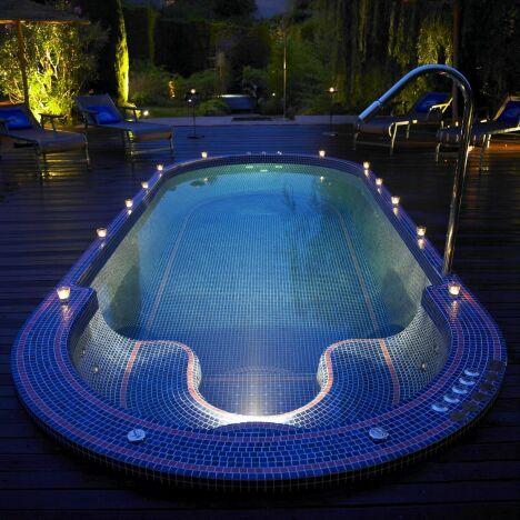 """Le bassin d'hydrothérapie du spa Shiseido à Mougins<span class=""""normal italic petit"""">DR</span>"""