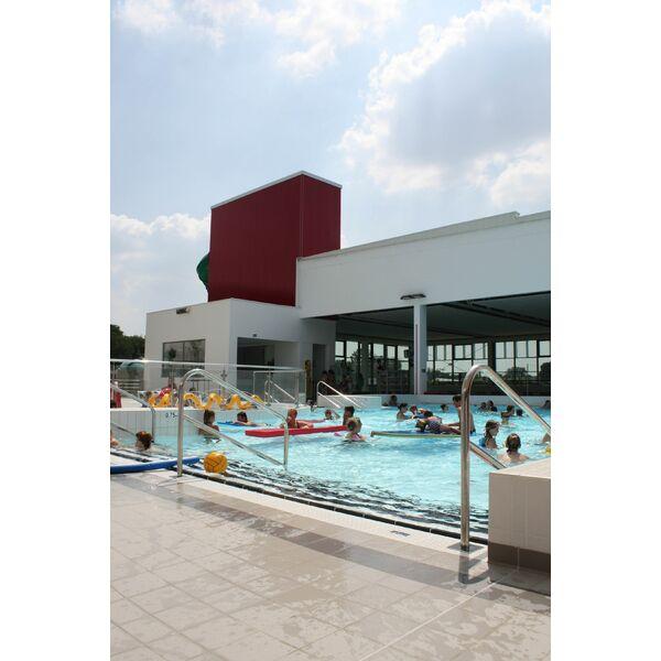 Centre aquatique piscine locmin horaires tarifs et for Centre de la nature piscine