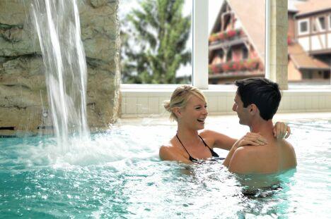 "Le bassin du spa Pur Attitude à Ottrott<span class=""normal italic petit"">DR</span>"