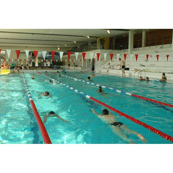 Centre aquatique alm o piscine moreuil horaires for Club piscine laval centre de liquidation