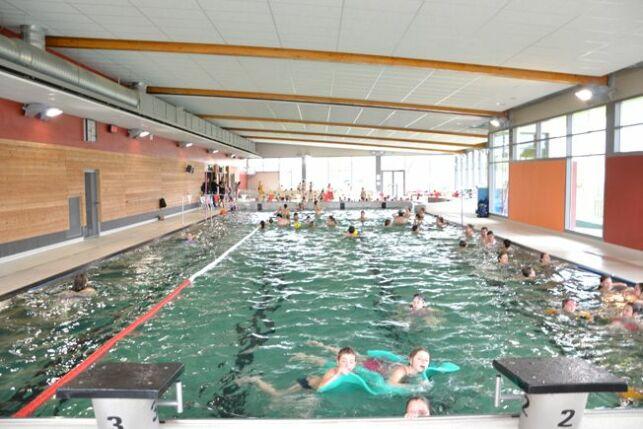 Le bassin sportif de la piscine d'Ecommoy