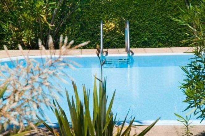 """Le bouchon de purge d'une pompe de piscine <span class=""""normal italic petit"""">© Ivan Bastien - Thinkstock</span>"""