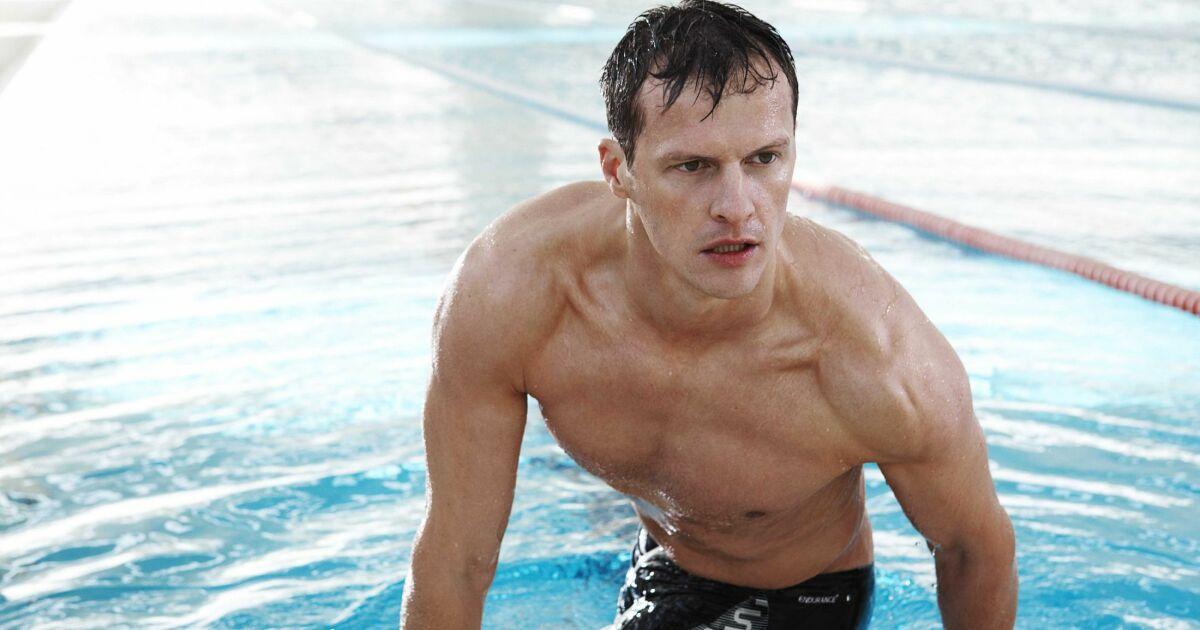 maillot de bain boxer homme piscine noir speedo swim