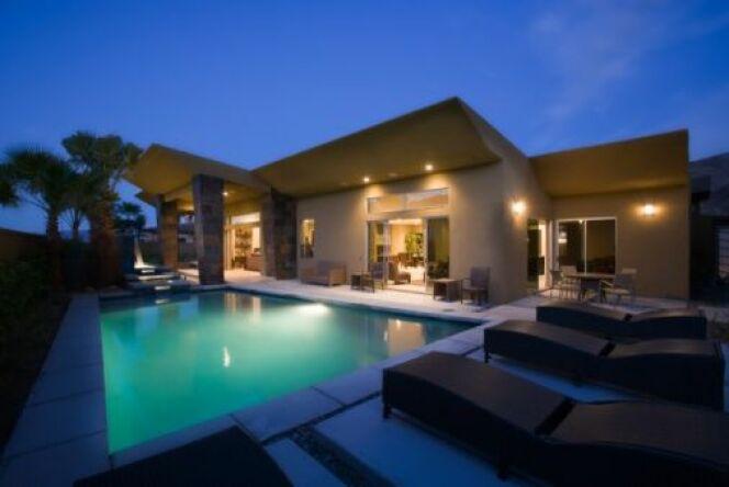 """Le bon branchement d'un projecteur de piscine est essentiel pour une utilisation en toute sécurité.<span class=""""normal italic petit"""">© moodboard - Thinkstock</span>"""