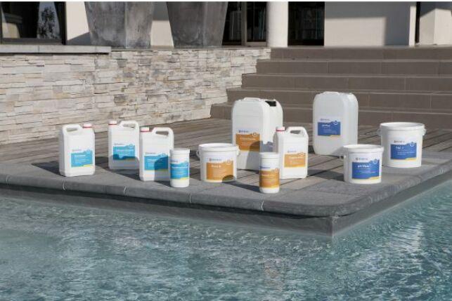 Le brominateur évite d'avoir à doser manuellement le produit pour désinfecter l'eau de la piscine