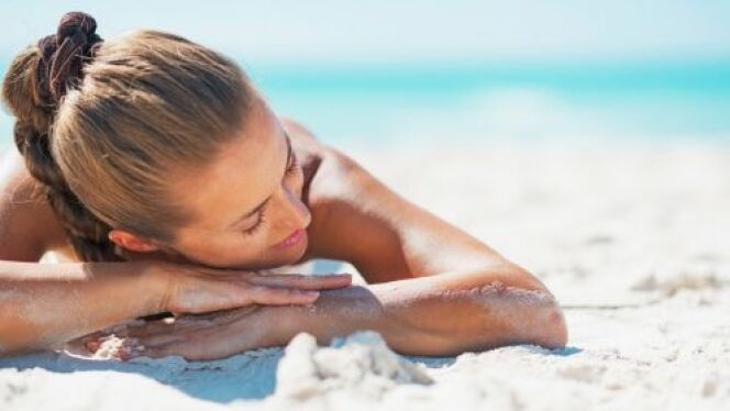 "Le bronzage intégral  <span class=""normal italic petit"">© Alliance - Thinkstock</span>"