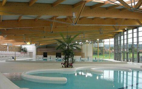 """Le centre nautique Laure Manaudou à Ambérieu-en-Bugey<span class=""""normal italic"""">DR</span>"""