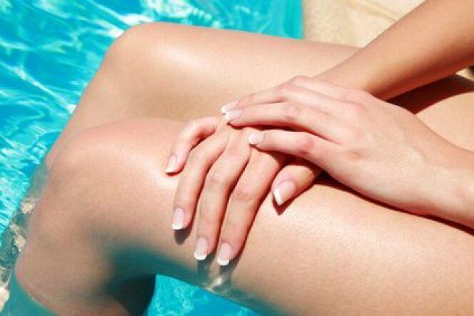 """Le chlore d'une piscine est-il un danger pour la peau ?<span class=""""normal italic petit"""">© Fotolia</span>"""