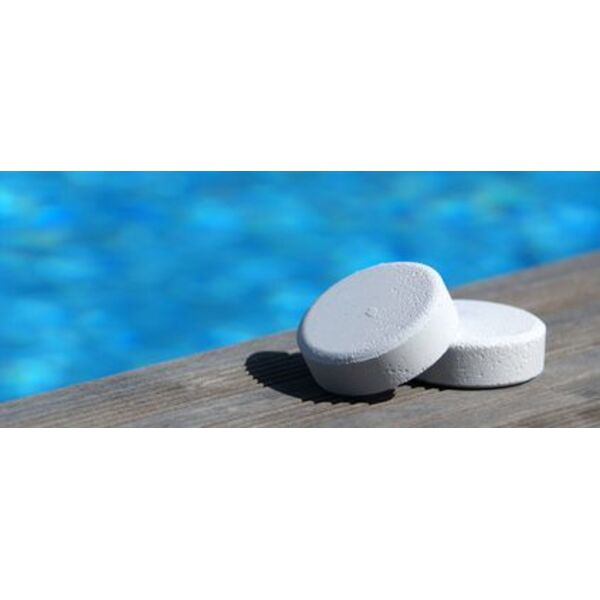 le chlore pour un traitement efficace de l eau de piscine. Black Bedroom Furniture Sets. Home Design Ideas
