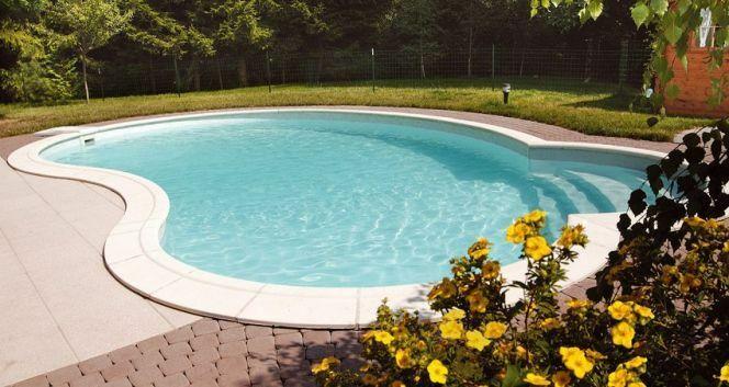 """Le choix du type de piscine que vous allez installer chez vous dépend de nombreux critères.<span class=""""normal italic petit"""">© Piscines Waterair</span>"""