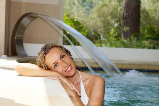 """Le coût d'un séjour en thalasso varie principalement en fonction des soins et de l'hébergement.<span class=""""normal italic petit"""">© kenzo - Fotolia.com</span>"""