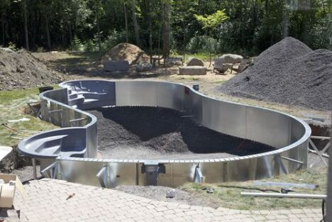 le co t de la construction d une piscine. Black Bedroom Furniture Sets. Home Design Ideas