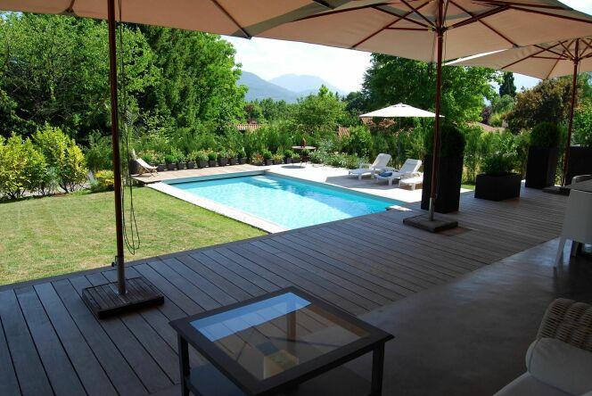 """Le débit de filtration de l'eau de la piscine<span class=""""normal italic petit"""">© L'Esprit piscine</span>"""