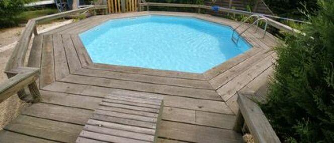 "Le deck de piscine <span class=""normal italic petit"">© Fotolia</span>"