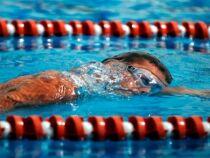 Le départ anticipé en compétition de natation
