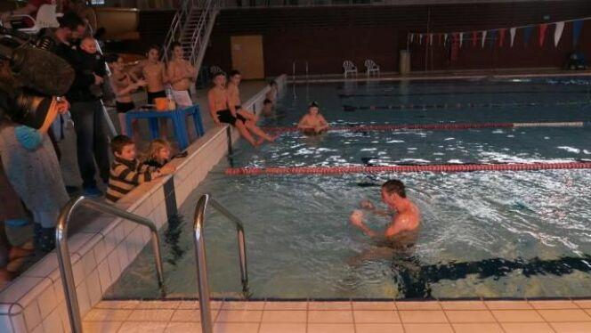 """Le directeur du Centre Aquavire a nagé pendant 24h....<span class=""""normal italic petit"""">DR</span>"""