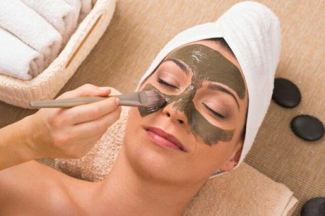 Le gommage du visage, un soin essentiel pour une belle peau et un teint éclatant