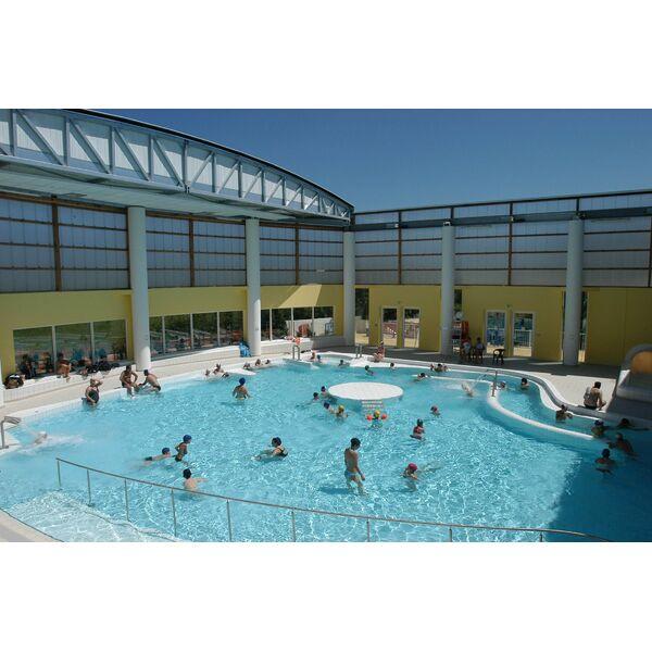 Complexe aquatique hy res horaires tarifs et t l phone for Complexe piscine
