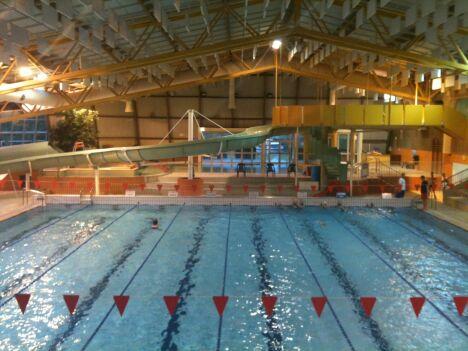 Le grand bassin de la piscine de Mercières à Compiègne