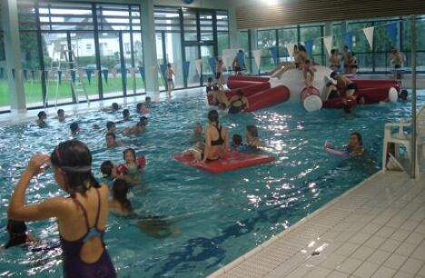 "Le grand bassin de la piscine de Rozanduc à Rosporden.<span class=""normal italic petit"">DR</span>"