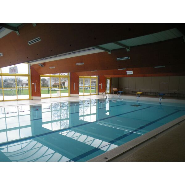 Piscine caneton amb s horaires tarifs et photos for Club piscine boucherville telephone