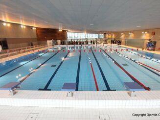 Le grand bassin de natation à la piscine des Portes de l'Essonne d'Athis Mons