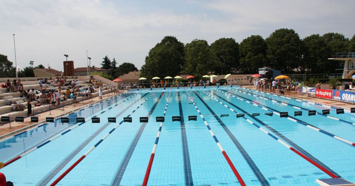 Stade nautique piscine pierrelatte horaires tarifs for Piscine de grand champ