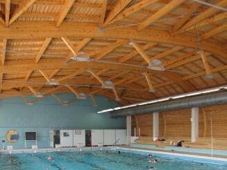 Le grand bassin de natation couvert du centre nautique à La Tour du Pin