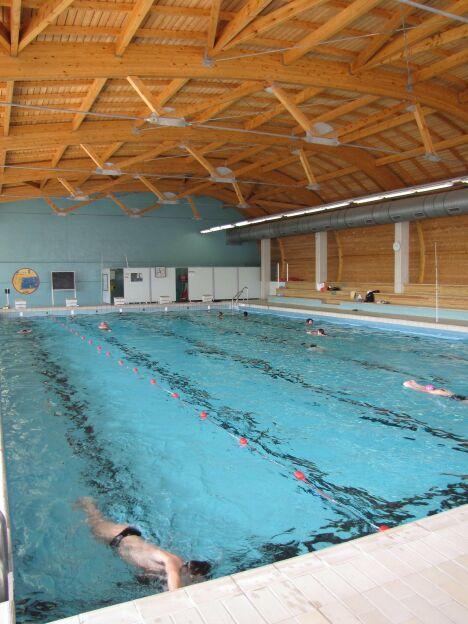 Centre nautique des vals du dauphin la tour du pin for Piscine tours