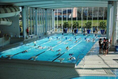 "Le grand bassin de natation de la piscine Nayéo à Nay<span class=""normal italic"">DR</span>"