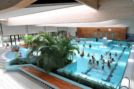 """Le grand bassin du complexe aquatique Gd'O à Gonfreville l'Orcher<span class=""""normal italic petit"""">© P.Boulen</span>"""
