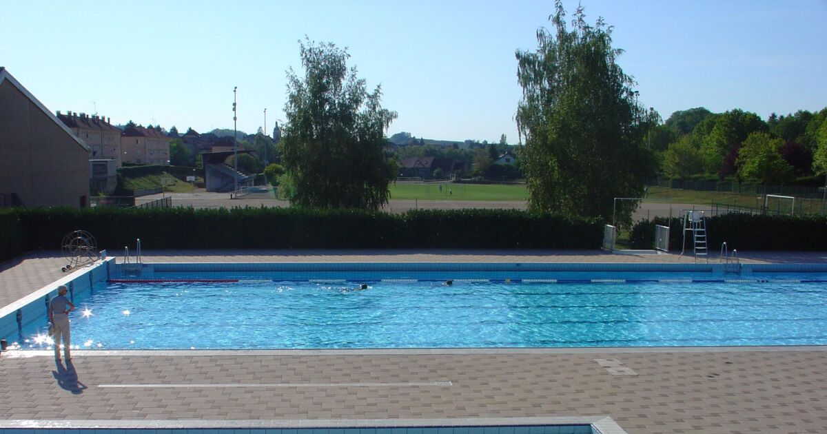 Piscine d 39 arbois horaires tarifs et t l phone for Piscine st meen le grand