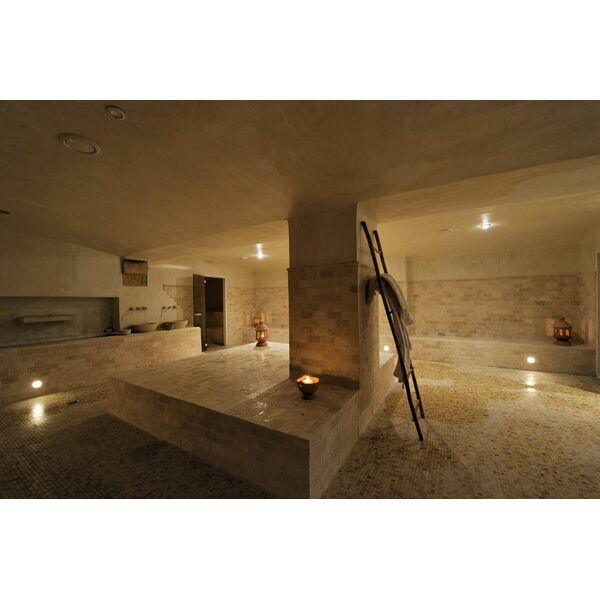 Spa la bastide des bains marseille horaires tarifs et - Salon piscine marseille ...