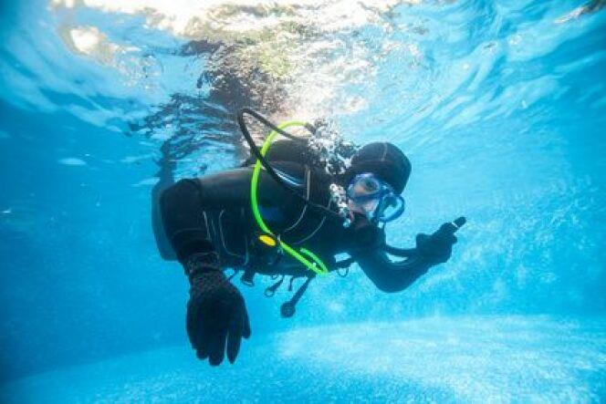 """Le kit parfait pour pratiquer la plongée en piscine<span class=""""normal italic petit"""">© Fotolia_87704888_XS</span>"""