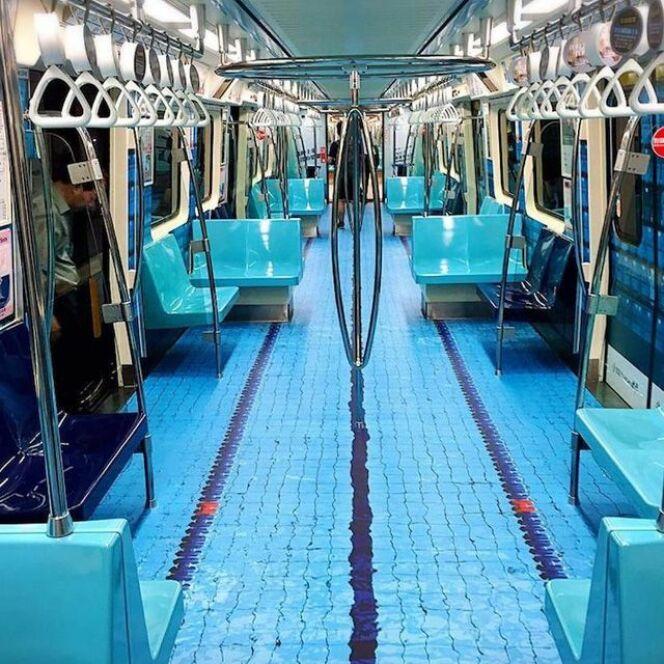 Le métro transformé en piscine.