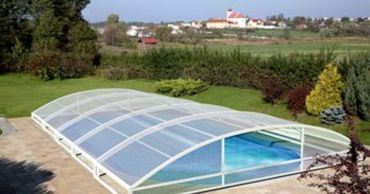 Galerie photos d 39 abris de piscine bas abri de piscine for Abri piscine telescopique