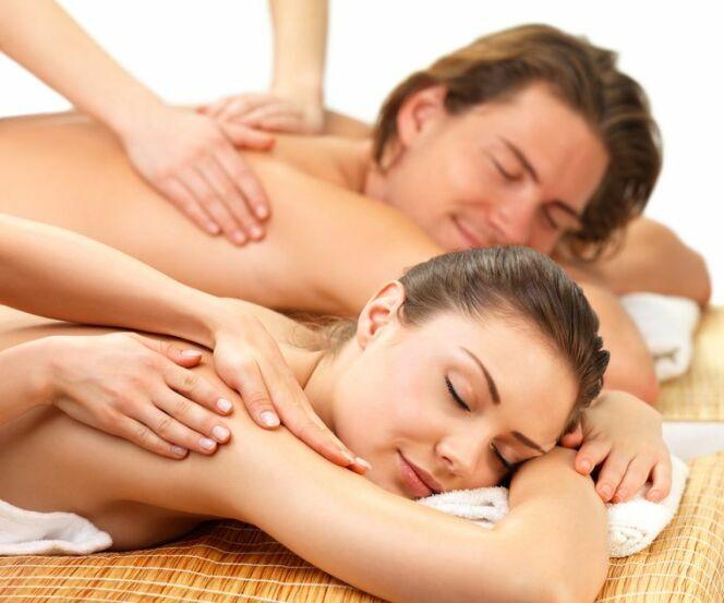 """Le modelage duo au spa : un moment de bien-être à deux<span class=""""normal italic petit"""">© Fotolia.com</span>"""