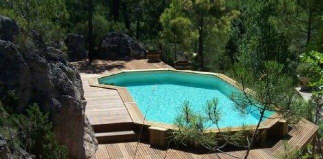 Le patio de piscine